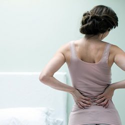 出産前後のカイロプラクティックケア【 part4】|産後の腰痛と副腎疲労