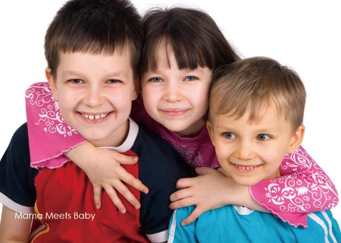 とても仲が良さそうな3人の子どもたち|不妊治療HP
