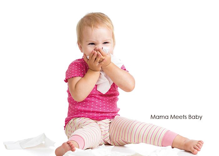 ティッシューで顔を押さえている幼児|不妊治療HP